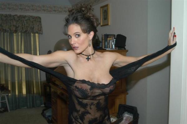 W zwiewnej sukience