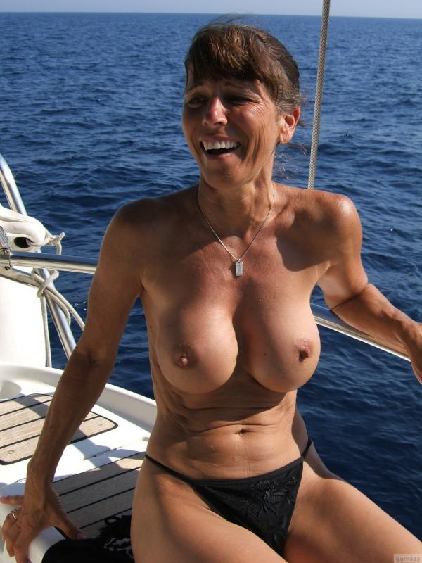 Seksowna mama na statku