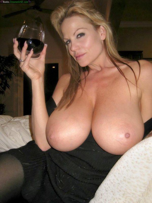 Wino i piersi