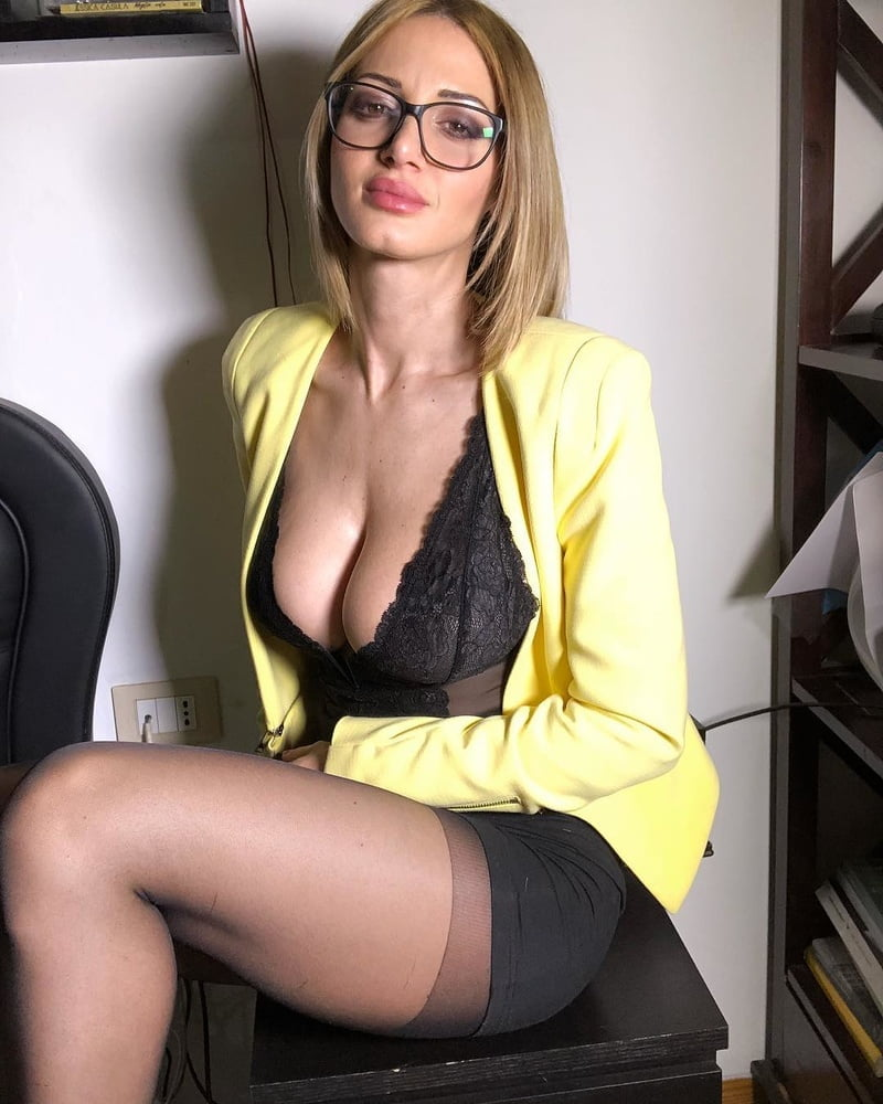 Piękna okularnica